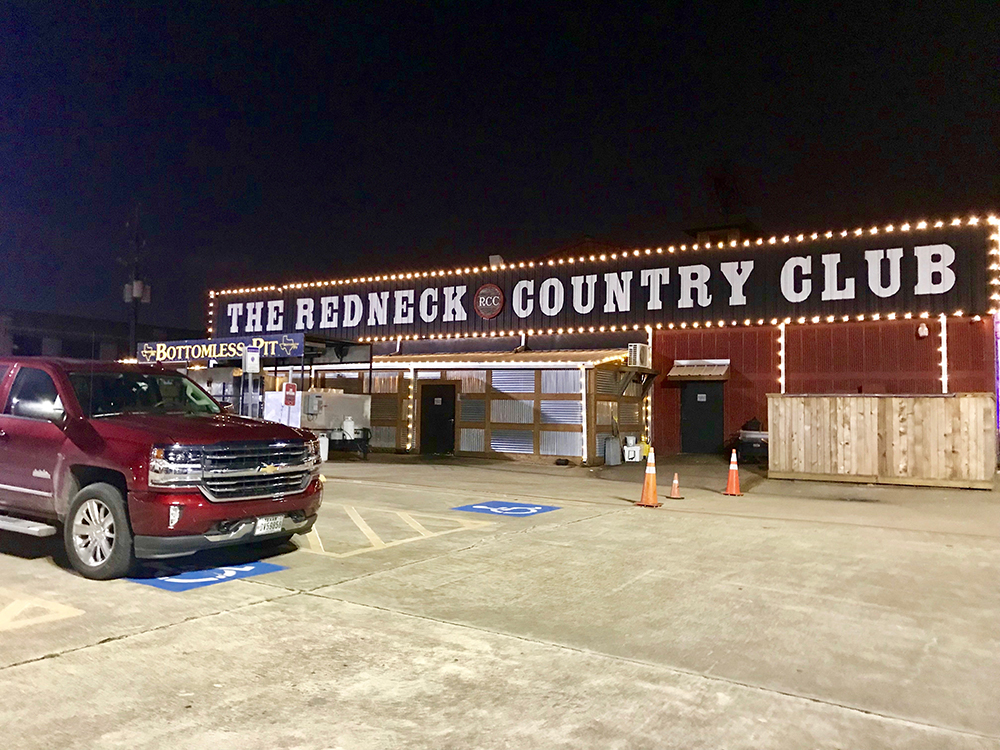 Country club and bar in Texas